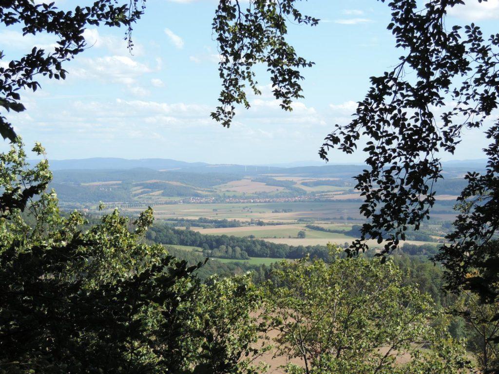 Blick auf das Werratal bei Herleshausen von der Burgruine Brandenfels - Fereinhaus Ringgau - Burgensteig Werratal